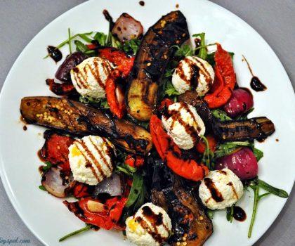 Салат з овочами-гриль та рікоттою