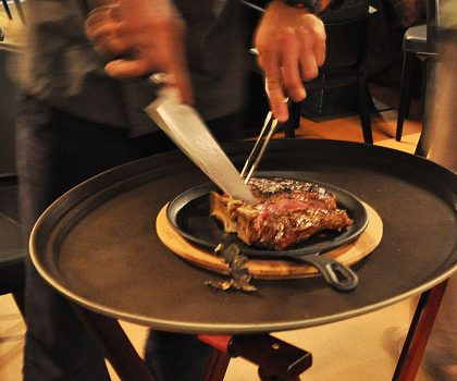 «Гра з вогнем»: вегетарианцам лучше не беспокоить