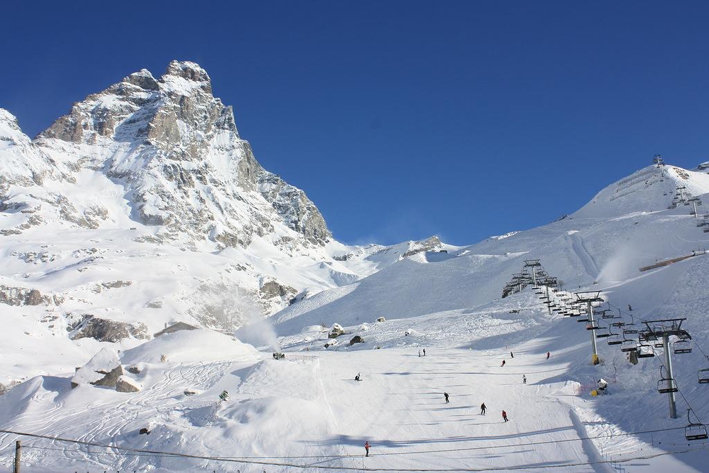 mountain_skiing_italy_val-d-aosta_cervinia_33461
