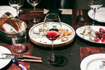 Дегустация украинских вин в «Останнiй Барикадi» или свидание вслепую