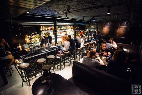 Возвращение  Hendrick's Bar после реновации
