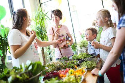 Даша Малахова открыла кулинарное пространство и презентовала pop-up музей