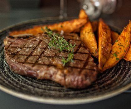 Обновленное меню в Sam's Steak House