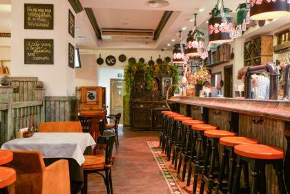 В  Samogon Fish bar каждый понедельник два стейка по цене одного!