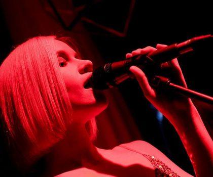 Queen Country Club приглашает на karaoke night