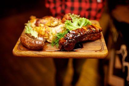 Samogon Grill Bar гастро подія — м'ясо мангалиці