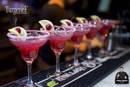 Пойте с друзьями, празднуйте с друзьями в «ТургенеФ»!