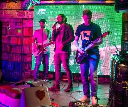 Афіша: виступи кавер-бендів на березень в SAMOGON GRILL BAR