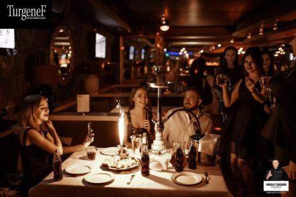 Песни и танцы до утра: ваш незабываемый музыкальный девичник в ресторане «ТургенеФ»