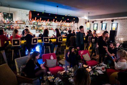 Танцевально-музыкальная программа недели в семье ресторанов Famille Très Français