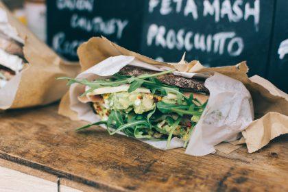Сэндвичи в заведениях Киева: где перекусить вкусно и сытно?
