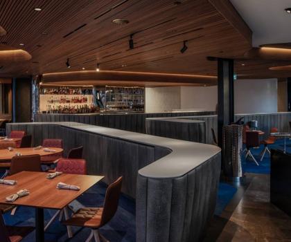 Знаменитый ресторан Quay Питера Гилмора в Сиднейской гавани вновь открывается после трех месяцев ремонта