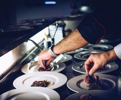 Жоэль Робюшон (Joel Robuchon) делится своими знаниями о кулинарии с Michelin