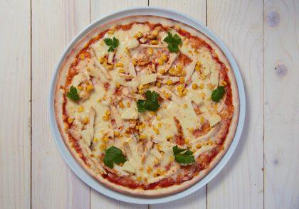 Пицца «Гавайская» с куриным филе «Эпикур»: рецепты фестиваля «Дни полезного Кура Эпикур в PESTO CAFÉ»