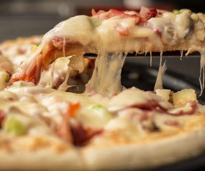 Заявление эксперта: пицца на завтрак полезнее, чем каша