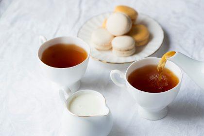 Вчені пояснили, чому солодощі не підходять для перекусу на роботі