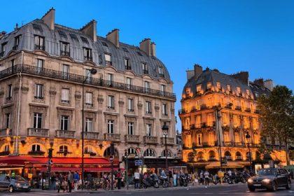 Повечеряти у Парижі: ресторани змінюють правила бронювання столиків