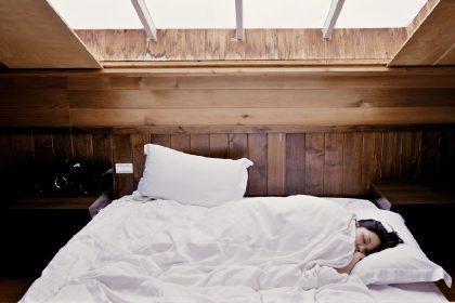 Поесть и поспать: названы продукты, которые отвечают за хороший сон