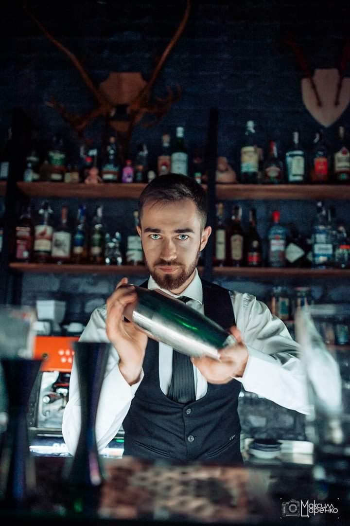 Работа барменом ночном клубе киев клубы крутой москвы