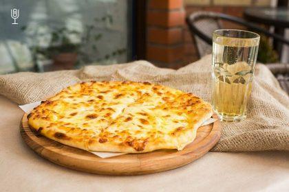 Більше сиру: де шукати смачні хачапурі по-мегрельськи в ресторанах Києва