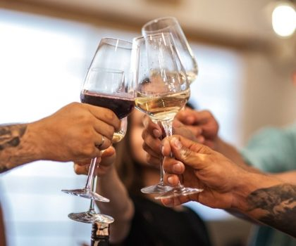 Новий заклад: вино та сири за цінами бутику в ресторані Contrabando поруч з парком Шевченка
