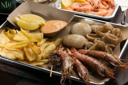 Новий заклад: смачний сіфуд від Діми Борисова у Mushlya Bar на Подолі