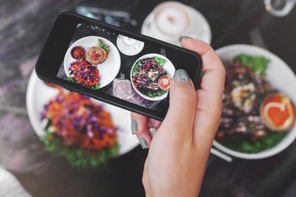 Instagram-інфлюенсер покарала ресторан за те, що він не приймає «лайки» замість грошей