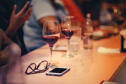 Винні заклади столиці: де зустрітися на келих вина?
