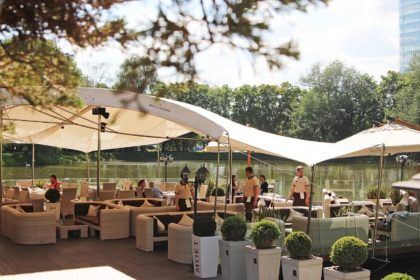 Ресторани, які відкрили літні тераси: локації на Теремках