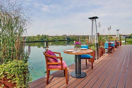 Заклади на березі Дніпра з видом на воду: чудові столичні краєвиди