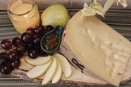 Моосбахер — незвичний сир, що варто скуштувати