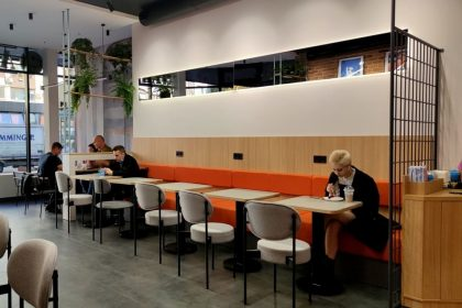 Новий заклад. Київ: Aroma Kava ー кав'ярня на Печерську у кардинально новому для мережі дизайні