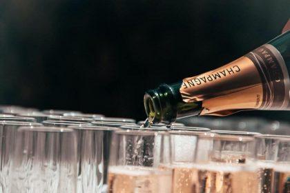 Французькі винороби відновлять експорт шампанського в Росію