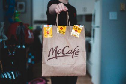 Колишня працівниця McDonald's розповіла про помсту грубим відвідувачам