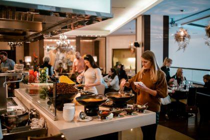 Chinese Hyatt Brunch в Hyatt Regency Kyiv: автентичність китайської кухні в ресторані Asia Bar & Grill